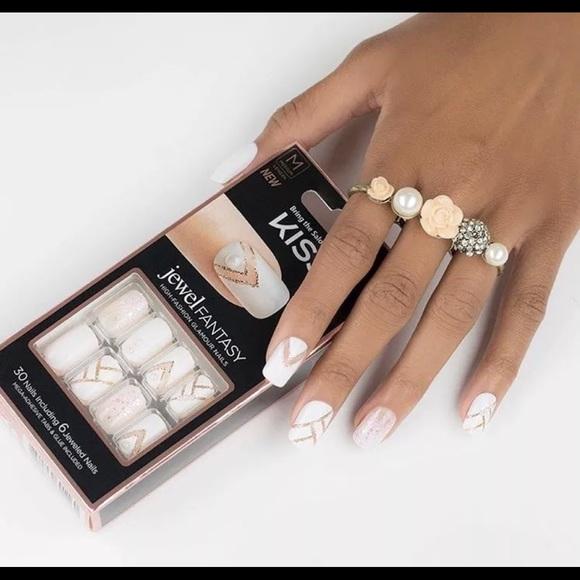 Kiss Other | Jewel Fantasy Glamour Gel Nails White Pearls | Poshmark